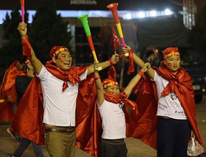 Văn Lâm xuất thần,Việt Nam hòa Thái Lan kịch tính và tranh cãi - ảnh 32