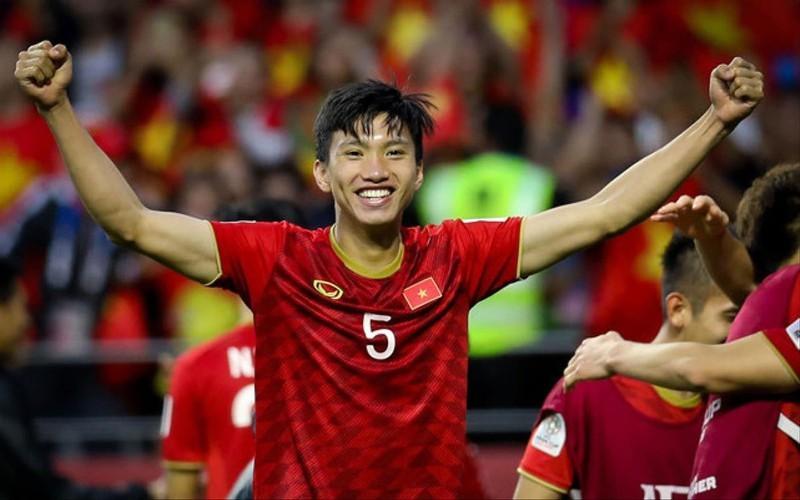 Văn Hậu hụt giải cầu thủ trẻ, Hassan Afif xuất sắc nhất châu Á - ảnh 2
