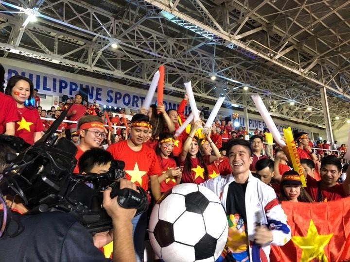 Thắng dễ Campuchia, Việt Nam vào chung kết tái đấu Indonesia - ảnh 26