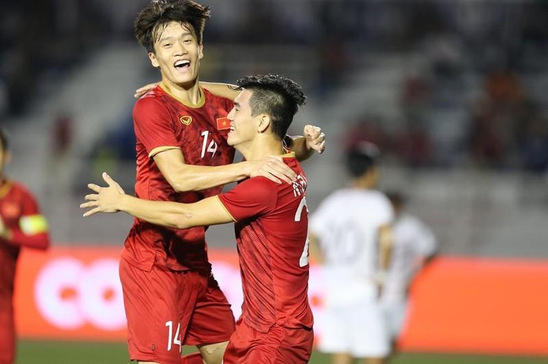 Thắng dễ Campuchia, Việt Nam vào chung kết tái đấu Indonesia - ảnh 14