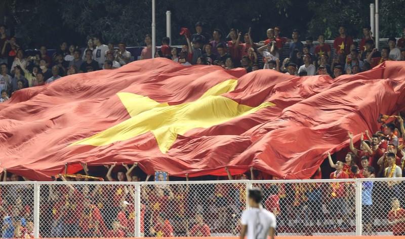 Thắng dễ Campuchia, Việt Nam vào chung kết tái đấu Indonesia - ảnh 3