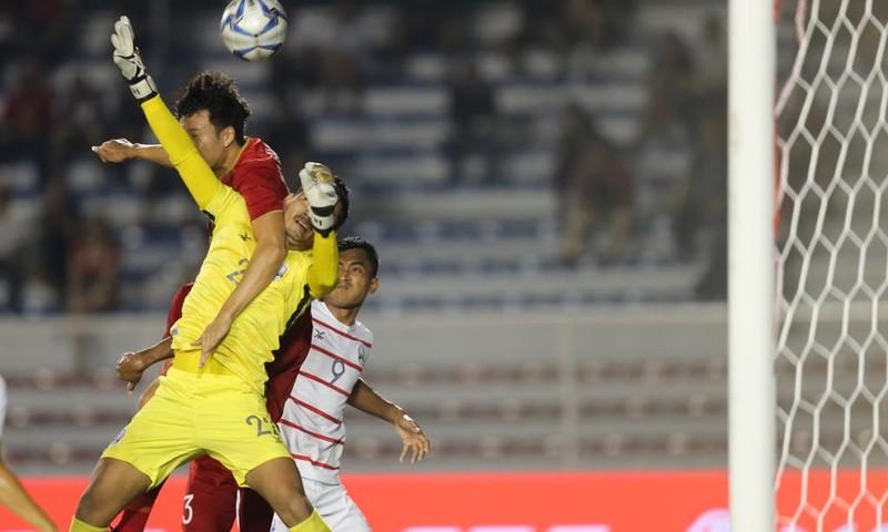 Thắng dễ Campuchia, Việt Nam vào chung kết tái đấu Indonesia - ảnh 16