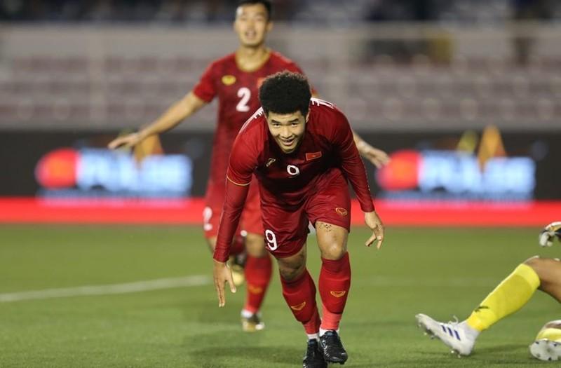 Thắng dễ Campuchia, Việt Nam vào chung kết tái đấu Indonesia - ảnh 4