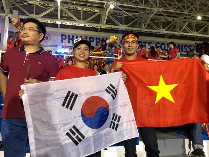 Thắng dễ Campuchia, Việt Nam vào chung kết tái đấu Indonesia - ảnh 25