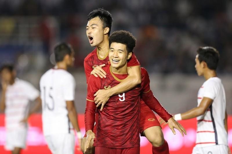 Thắng dễ Campuchia, Việt Nam vào chung kết tái đấu Indonesia - ảnh 7