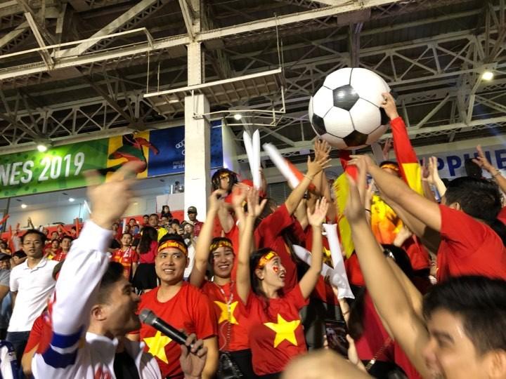 Thắng dễ Campuchia, Việt Nam vào chung kết tái đấu Indonesia - ảnh 21