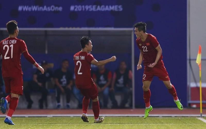 Thắng dễ Campuchia, Việt Nam vào chung kết tái đấu Indonesia - ảnh 33