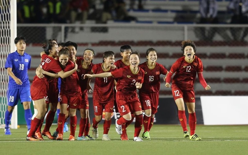 Chùm ảnh tuyển nữ Việt Nam giành HCV SEA Games đầy cảm xúc - ảnh 2