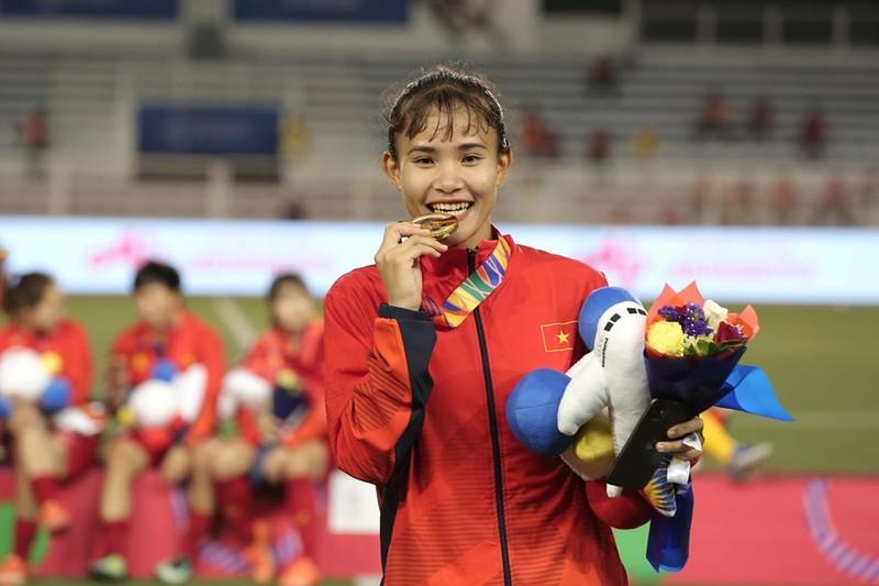 Chùm ảnh tuyển nữ Việt Nam giành HCV SEA Games đầy cảm xúc - ảnh 17