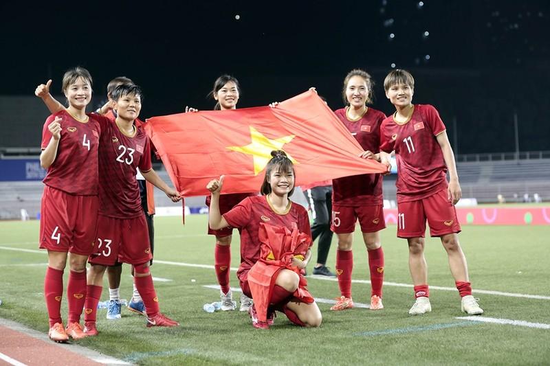 Chùm ảnh tuyển nữ Việt Nam giành HCV SEA Games đầy cảm xúc - ảnh 27