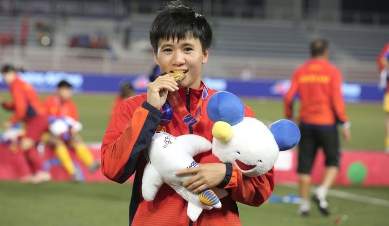 Chùm ảnh tuyển nữ Việt Nam giành HCV SEA Games đầy cảm xúc - ảnh 19