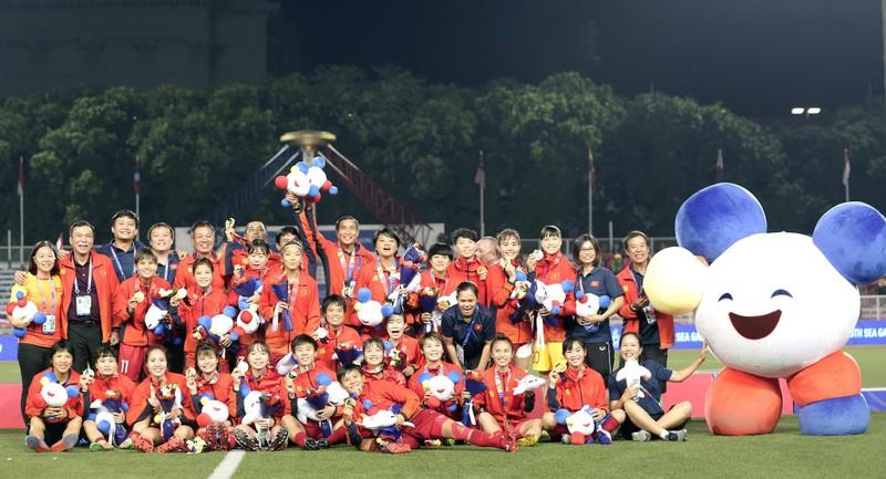 HLV Kaenson: 'Tôi cần thời gian để xây dựng bóng đá Thái Lan' - ảnh 1