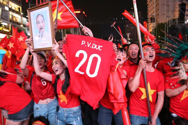 Hạ Indonesia 3-0, U-22 Việt Nam giành HCV SEA Games lịch sử - ảnh 8