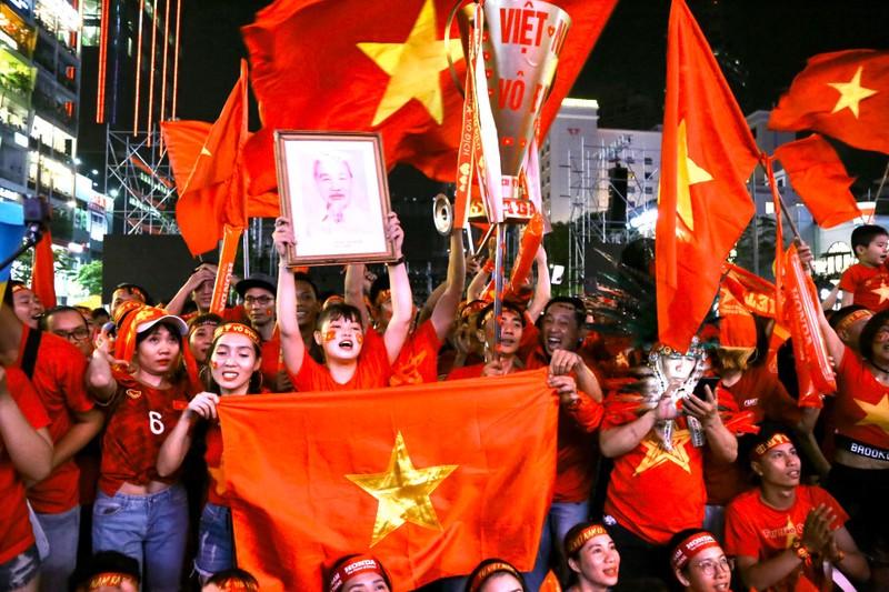 Hạ Indonesia 3-0, U-22 Việt Nam giành HCV SEA Games lịch sử - ảnh 5