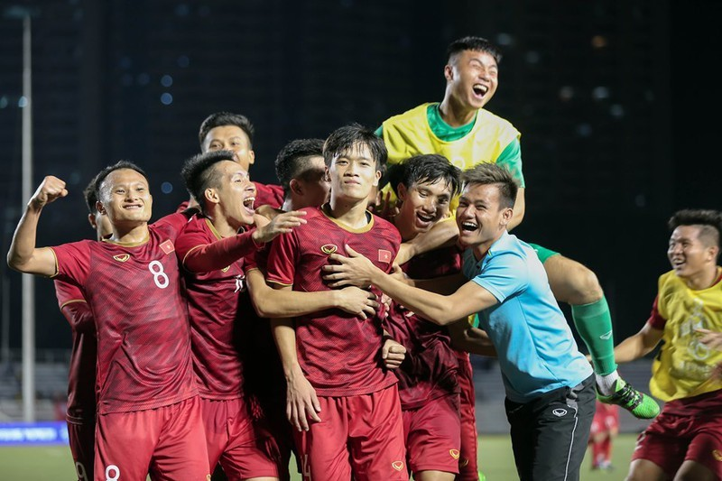 Hạ Indonesia 3-0, U-22 Việt Nam giành HCV SEA Games lịch sử - ảnh 40