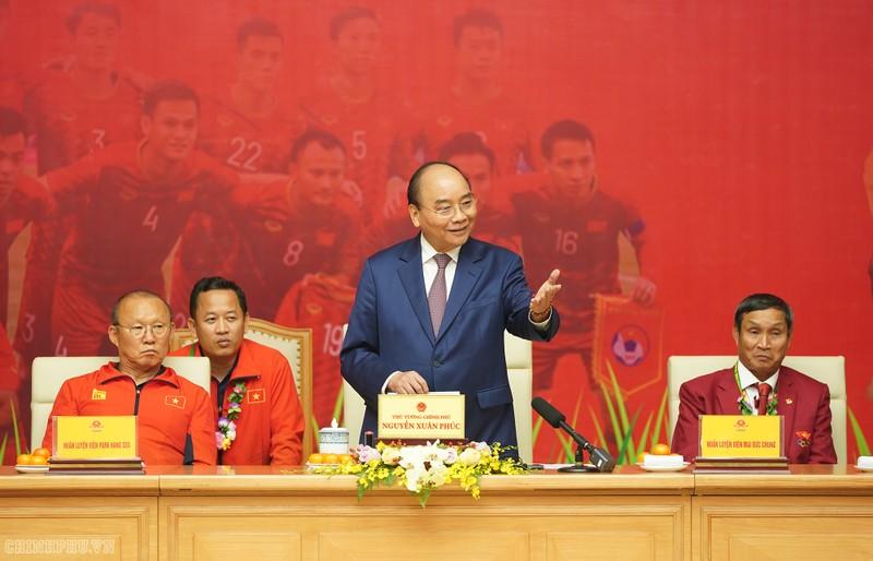 Hai đội tuyển VN dự lễ mừng công của Thủ tướng - ảnh 1