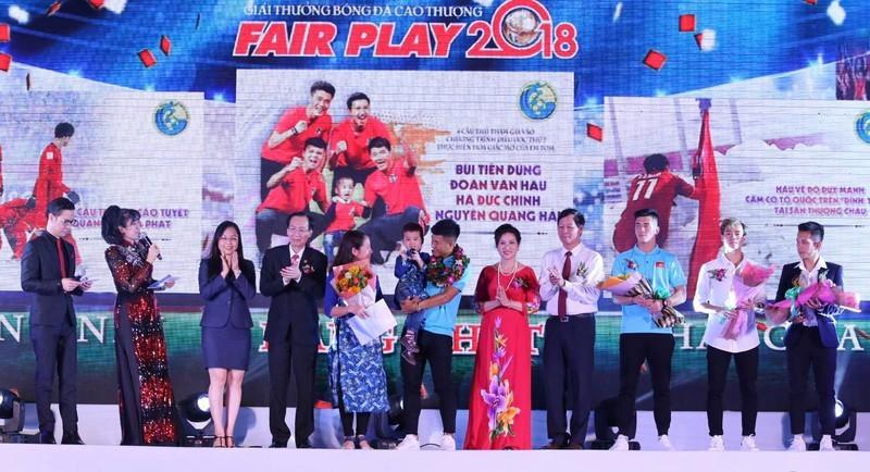 Thầy Park lần đầu chứng kiến học trò giành giải Fair Play - ảnh 1