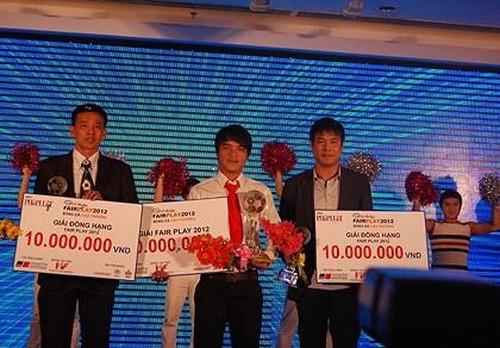 Cầu thủ Việt Nam đầu tiên giành giải Fair Play - ảnh 2