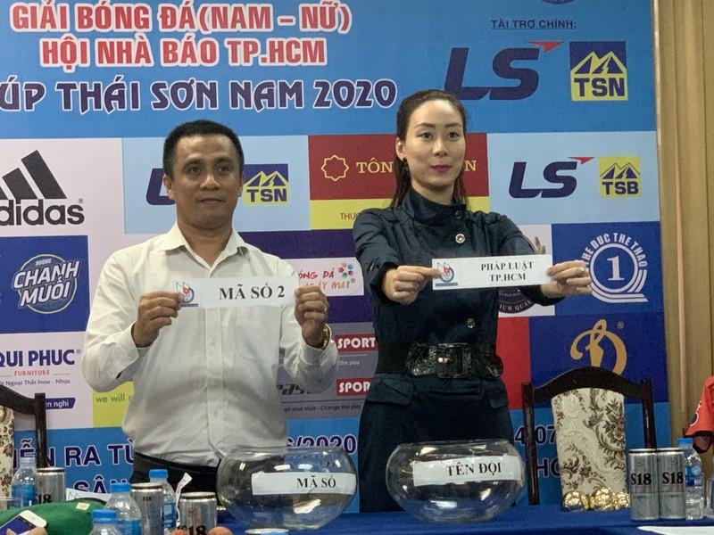 Thay đổi đột phá ở giải Futsal Hội nhà báo TP.HCM 2020 - ảnh 1