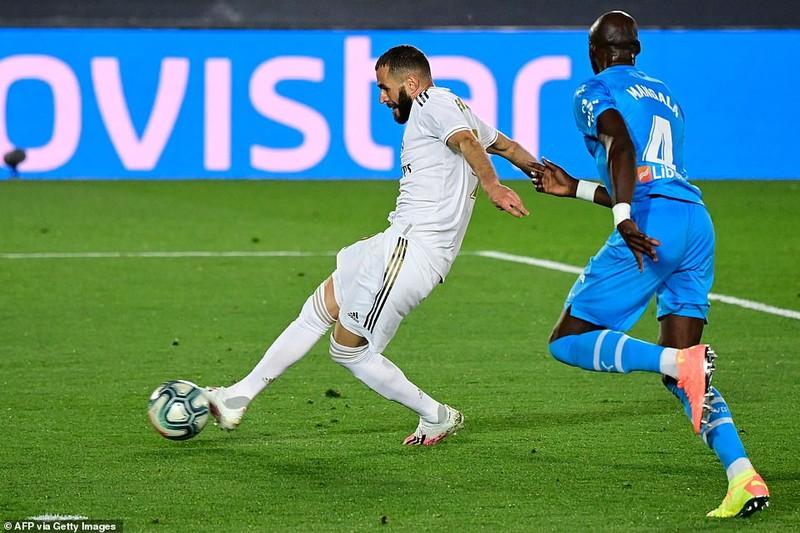 'Hủy diệt' Valencia, Real Madrid phả hơi nóng lên Barcelona - ảnh 3
