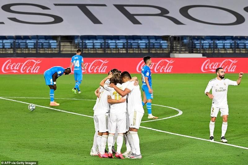 'Hủy diệt' Valencia, Real Madrid phả hơi nóng lên Barcelona - ảnh 4