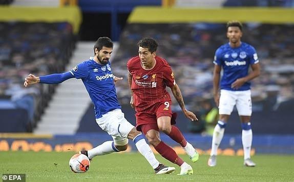 Salah dự bị, Liverpool không thắng vẫn tiến sát ngôi vương - ảnh 2