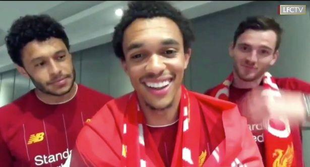 Bất chấp dịch COVID-19, fan Liverpool vẫn đổ ra đường ăn mừng - ảnh 3