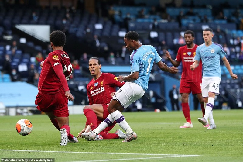 Cựu vương 'hủy diệt' tân vương, Liverpool đau trong ngày vui - ảnh 4