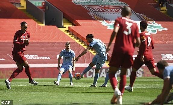 Hàng công vô duyên, Liverpool nguy cơ lỡ mục tiêu 100 điểm - ảnh 4