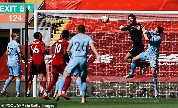 Hàng công vô duyên, Liverpool nguy cơ lỡ mục tiêu 100 điểm - ảnh 5