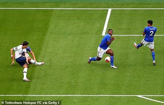 Tottenham nhấn chìm Leicester, Mourinho giúp MU tiến sát Top 4 - ảnh 1
