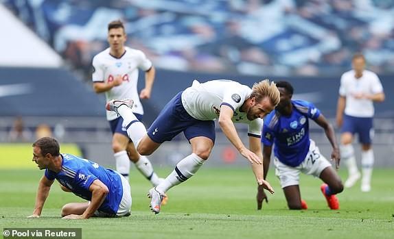 Tottenham nhấn chìm Leicester, Mourinho giúp MU tiến sát Top 4 - ảnh 2