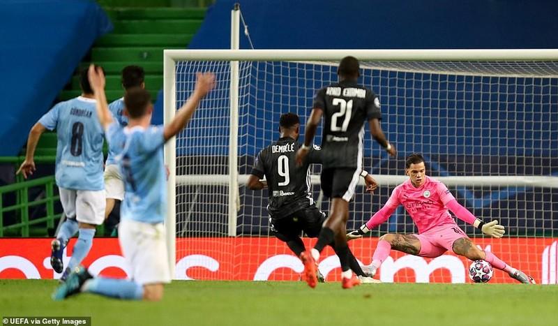 Siêu dự bị ghi 2 bàn, Lyon loại Man City khỏi Champions League - ảnh 5