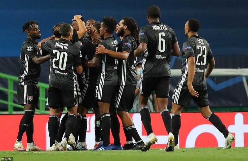 Siêu dự bị ghi 2 bàn, Lyon loại Man City khỏi Champions League - ảnh 7