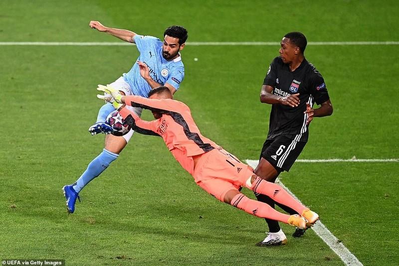Siêu dự bị ghi 2 bàn, Lyon loại Man City khỏi Champions League - ảnh 1