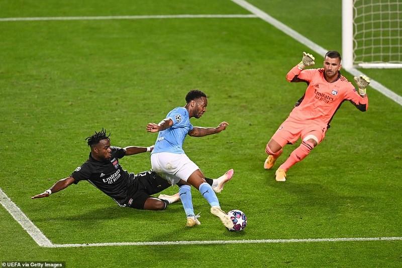 Siêu dự bị ghi 2 bàn, Lyon loại Man City khỏi Champions League - ảnh 2
