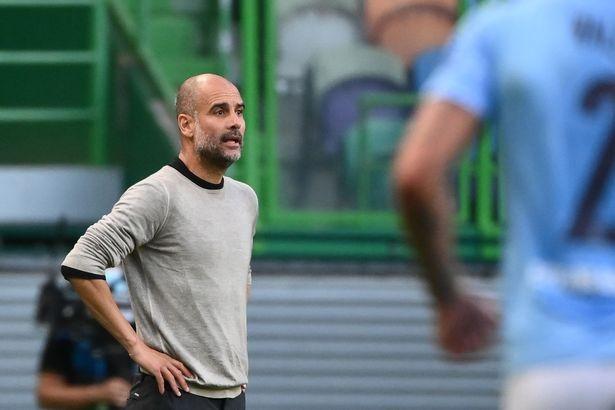 Huyền thoại MU chỉ trích Pep Guardiola 'hãy nhìn lại bản thân' - ảnh 2
