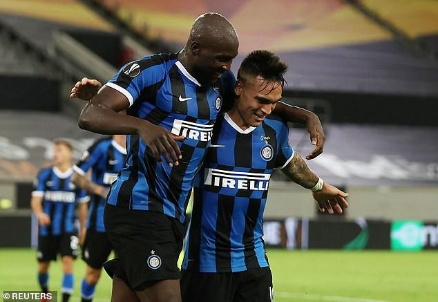 2 'cú đúp', 1 'bàn tay nhỏ', Inter vào chung kết Europa League - ảnh 4