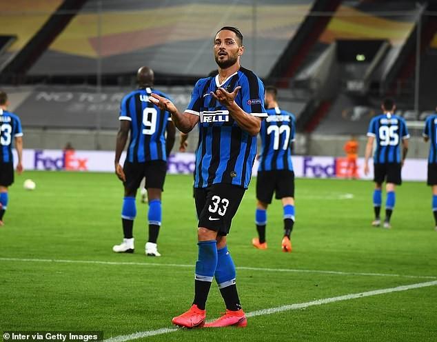 2 'cú đúp', 1 'bàn tay nhỏ', Inter vào chung kết Europa League - ảnh 3