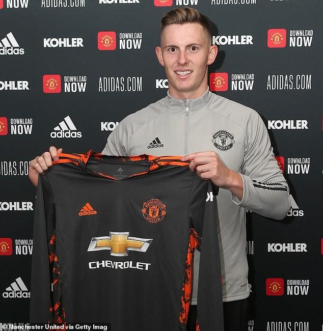 MU chính thức ký hợp đồng với thủ môn tuyển Anh - ảnh 2