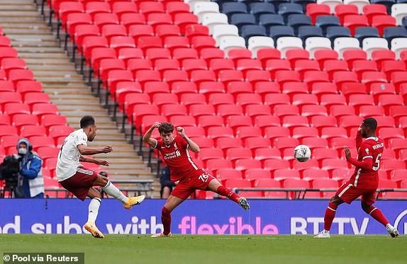 Aubameyang rực sáng, Arsenal hạ Liverpool vô địch siêu cúp Anh - ảnh 3