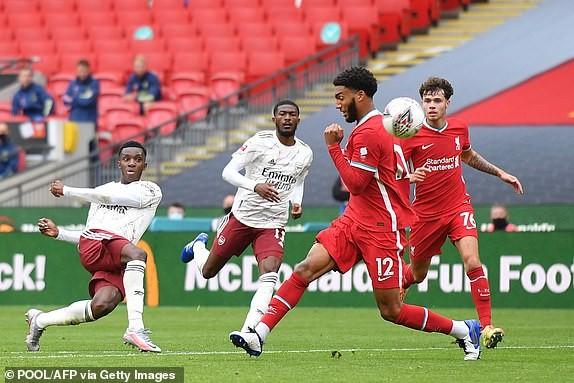 Aubameyang rực sáng, Arsenal hạ Liverpool vô địch siêu cúp Anh - ảnh 1