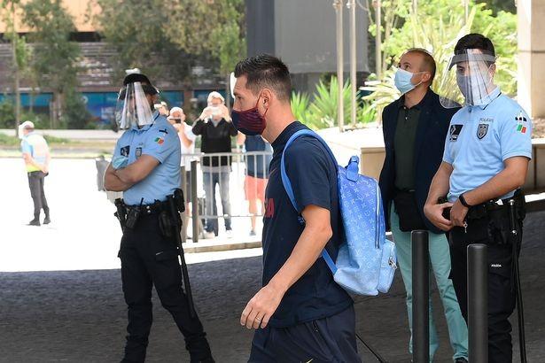 Messi làm loạn, Pep Guardiola tới Barcelona chốt hợp đồng - ảnh 1