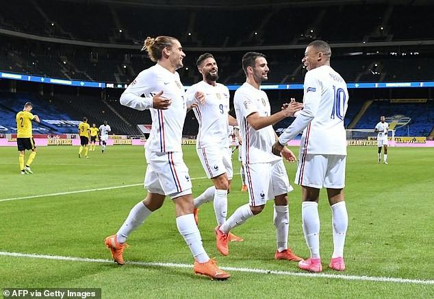 Griezmann bất ổn sau tương lai bất định ở Barcelona vì Messi - ảnh 3
