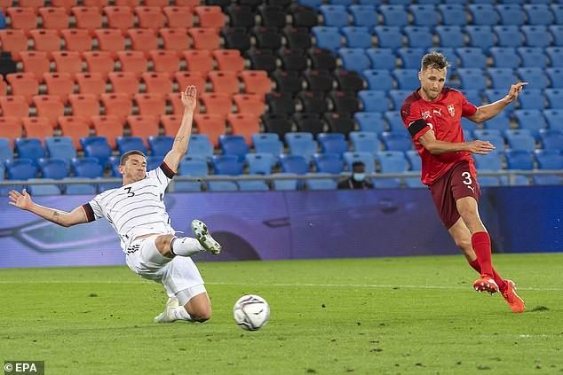 HLV Joachim Low nổi đóa vì tuyển Đức cứ dẫn trước là bị gỡ hòa - ảnh 2