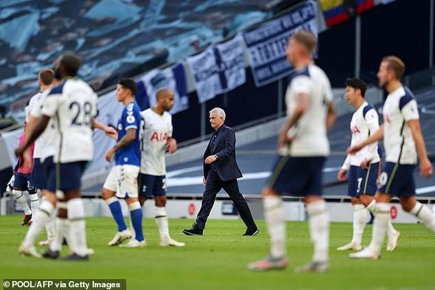 Tottenham thua trận, Mourinho nói không có thời gian khóc lóc - ảnh 3