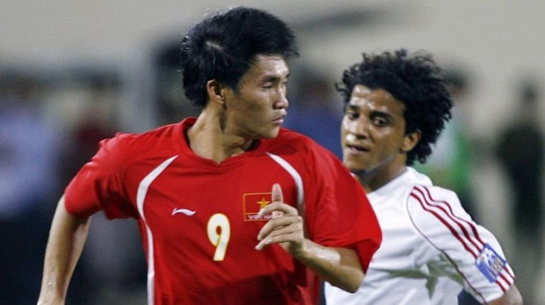 Thủy Tiên kêu gọi fan bình chọn, Công Vinh vẫn thua trên AFC - ảnh 2