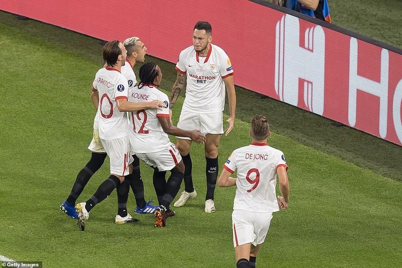 Neuer hóa siêu nhân, Bayern Munich đăng quang siêu cúp châu Âu - ảnh 4