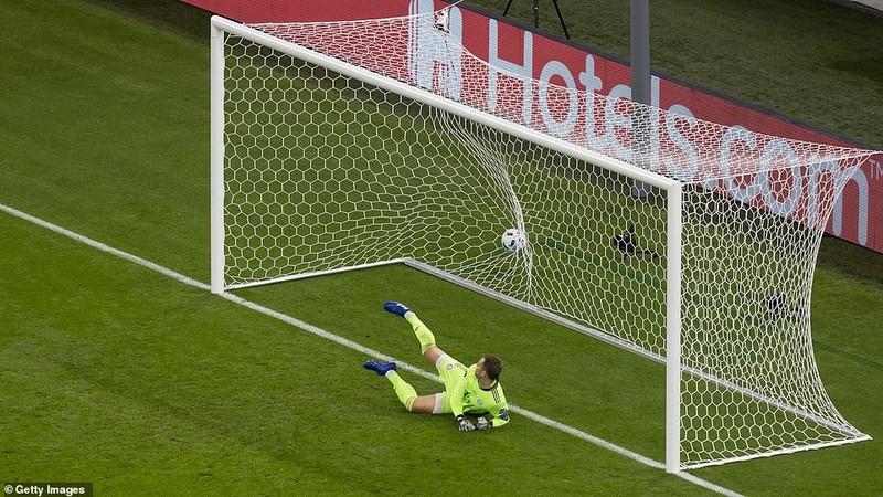 Neuer hóa siêu nhân, Bayern Munich đăng quang siêu cúp châu Âu - ảnh 3