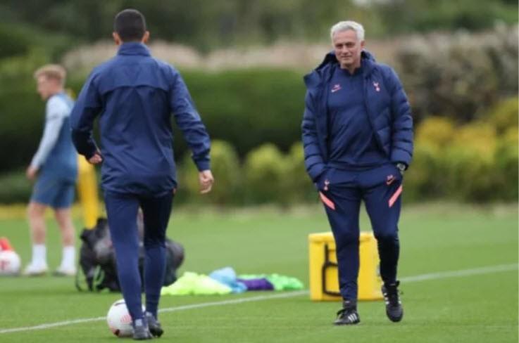 Thừa nhận tình yêu với MU, Mourinho muốn quên đi... 90 phút - ảnh 3